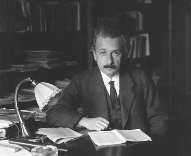 Einstein'ın İcat Ettiğini Yüksek İhtimal Bilmediğiniz 4 Şey